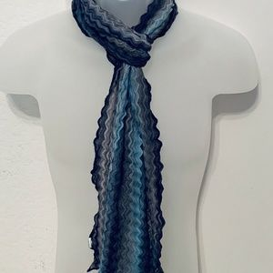 Women's Blue / Gray Scarf with Wavy Lines - Pretty